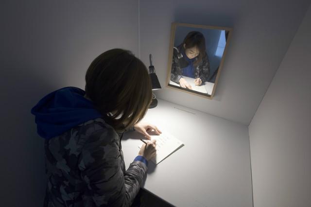 천경우, Portrait Made by Hand, 퍼포먼스와 설치, 가변크기, 2010, 2019.jpg