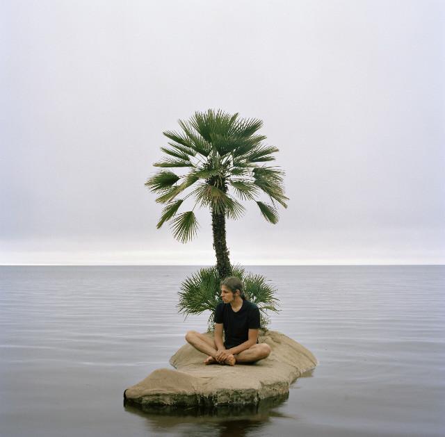 안띠 라이티넨(Antti Laitinen), Voyage, C-print, 115x115cm,  2008.jpg